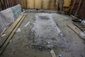 В Брянске нашли тело мужчины, забетонированное в пол гаража