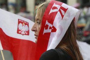 Экзитпол: правящая партия получает 239 из 460 мест в польском парламенте