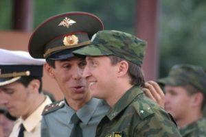 Российский военный стал миллионером и сбежал из армии через окно туалета