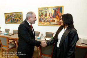 Мы договорились с Ким, что она будет чаще приезжать в Армению: Пашинян опубликовал совместное фото