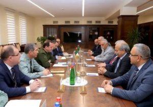 Глава МО Армении представил делегации партии «Рамкавар-Азатакан» ход широкомасштабных реформ в армии