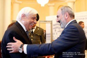 Премьер-министр Армении провел встречу с президентом Греции