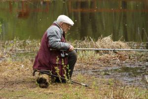 В России 90-летний профессор получил срок за то, что ловил рыбу на коноплю