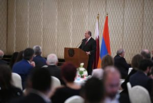 Президент Саркисян встретился с представителями армянской общины Катара