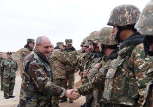 Бако Саакян посетил передовую линию границы между Арцахом и Азербайджаном