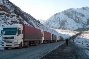Ларс закрыт для грузовых автомобилей: на российской стороне скопилось 580 автомашин