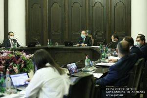 Премьер Армении поручил во благо здоровья общества быть строгими с нарушителями профилактических правил