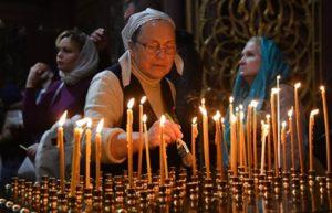 Православные отмечают родительскую субботу