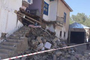 Пять человек пострадали при землетрясении на востоке Турции