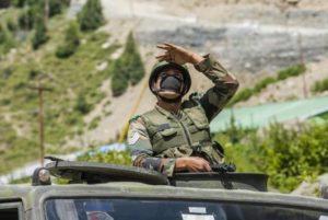 СМИ: Индия и Китай продолжают концентрацию войск в Восточном Ладакхе