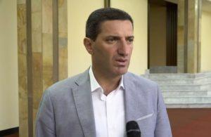 Потребует ли депутат Петросян у Царукяна справку, что он болеет коронавирусом