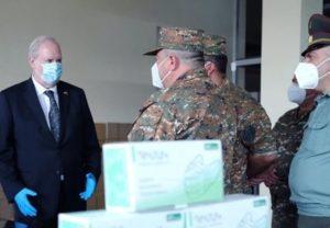 Посольство Великобритании передало Министерству обороны средства индивидуальной защиты
