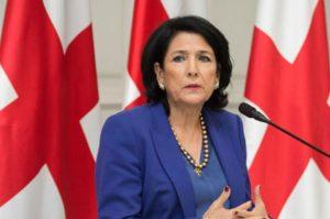 Президент Грузии надеется на мирную развязку эскалации на границе Армении и Азербайджана