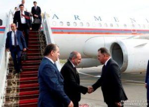 Премьер-министр Армении с рабочим визитом прибыл в Беларусь
