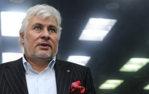 Миллиардер Сергей Саркисов пообещал возместить ущерб азербайджанским бизнесменам, пострадавшим от погромов в Москве