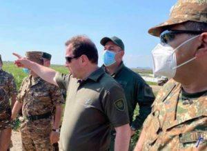 Ереван и Степанакерт переходят к делу? Предупреждение министра обороны из Арцаха
