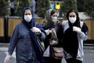 В Иране ввели обязательное ношение масок из-за распространения COVID-19