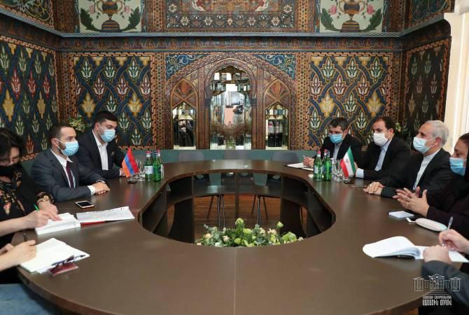 Мхитар Айрапетян встретился с послом Ирана в Армении