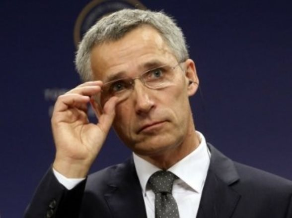 Песков ответил наобвинения вадресРФ вслучившемся сНавальным