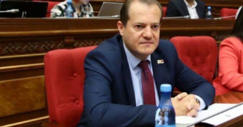 Аркадий Хачатрян избран председателем комиссии НС по финансово-кредитным и бюджетным вопросам