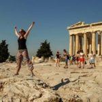 В Афинах из-за распространения коронавируса вводятся новые ограничения