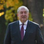 Президент Армении наградил медалями медиков за вклад в борьбу с коронавирусом
