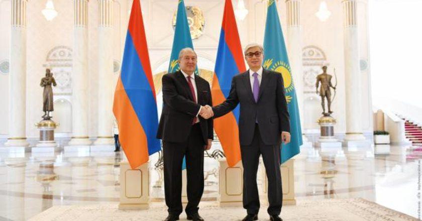 Президент Казахстана поздравил президента Армении