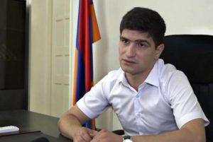 ЦИК Армении предоставил депутатский мандат Арсена Джулфалакяна Нареку Каграманяну