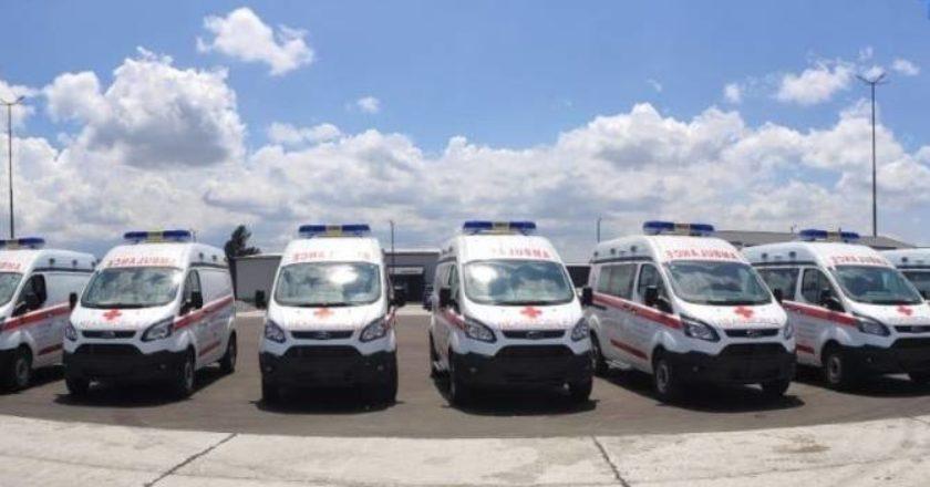Правительство Армении предоставило областным медцентрам 21 внедорожник скорой помощи