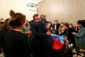 Премьер-министр Армении принял участие в панихиде по погибшему рядовому Марату Манукяну