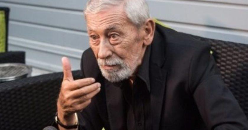 Вахтанг Кикабидзе возглавил список партии Саакашвили на выборах