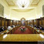 Премьер-министр Армении встретился с внепарламентскими силами