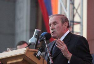 Первый президент Армении провел встречу с бывшими президентами Арцаха