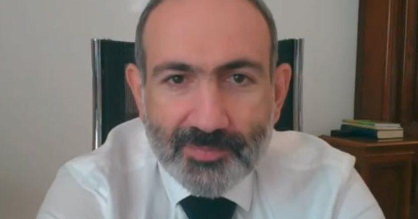 Каждый из нас сегодня должен взять в руки оружие и сражаться за победу – премьер Армении призвал сформировать добровольческие отряды