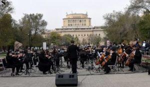 Симфонический оркестр Армении передал в Фонд страхования военнослужащих 30 млн. драмов