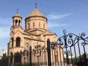 В армянских храмах Украины проходят литургии за мир в Карабахе