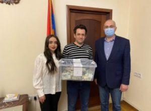 Левон Аронян пожертвовал Фонду «Айастан» 1 358 000 драмов