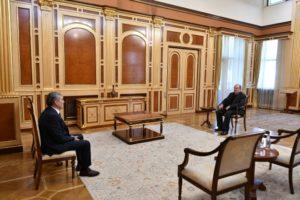 Президент Армении провел встречу с руководителем партии «Республика»