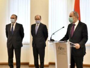 Премьер-министр представил сотрудникам МИД Армении нового министра