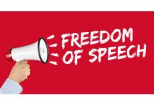 КС приостановил положения режима военного положения об ограничении свободы слова