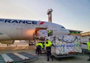 В Ереван прибыл первый самолет с гуманитарной помощью из Франции