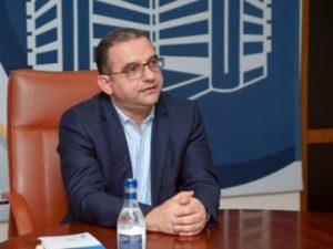 Министр экономики Армении Тигран Хачатрян подал в отставку