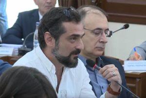 Член Совета старейшин Еревана Арсен Карапетян представил заявление о прекращении своих полномочий
