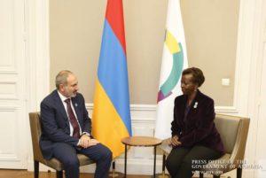 Премьер-министр Армении провел телефонный разговор с генеральным секретарем МОФ Луиз Мушикивабо