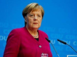 Меркель призвала немцев готовится к локдауну на праздники