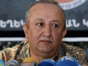 Экс-начальник Генштаба ВС Армении Мовсес Акопян пробыл в ССС около 40 минут