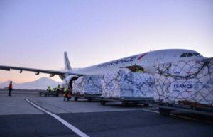 В Ереван прилетает второй самолет с гуманитарной помощью от Франции