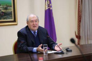 Президент Саркисян снова озвучил требование отставки правительства