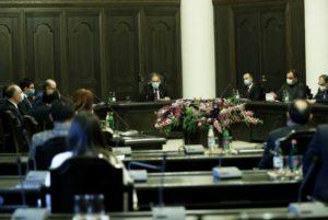 Премьер-министр Пашинян провел совещание с участием руководителей правоохранительной системы
