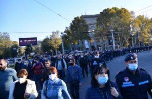 Полиция Еревана задержала 33 участника митингов
